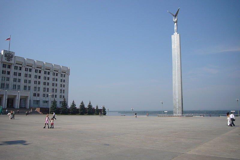 Монумент на пл Славы