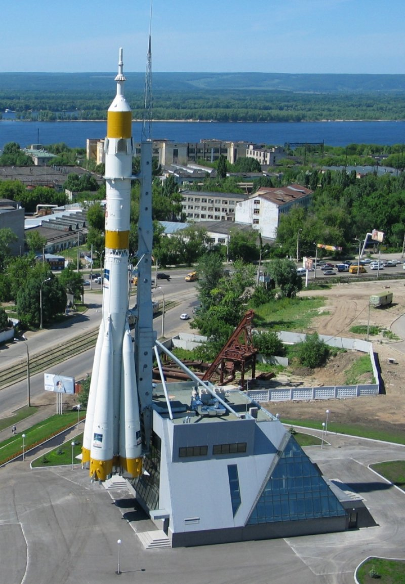 Памятный комплекс ракеты-носителя Союз