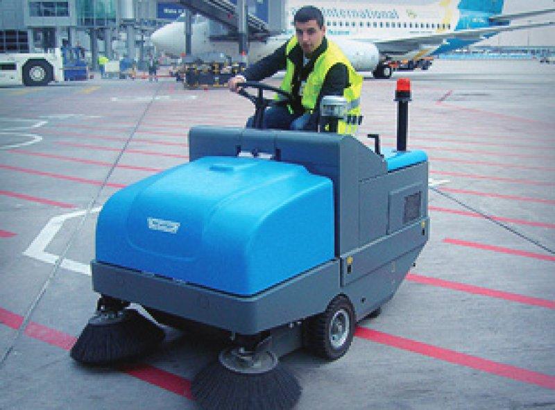 Подметальные машины служат для уборки различных видов мусора и пыли как на открытых площадках и территориях так и в помещениях.