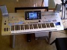 Yamaha Tyros 4 (61-Key Pro Workstation Организатор)