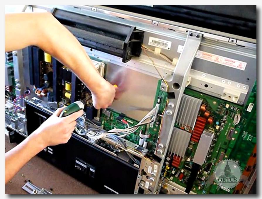 Про негарантийный и гарантийный ремонт телевизоров консультирует специалист информационного торгового портала Ортус Глобал: https://ortus-global.com/blog/remont-tv-garantiynoe-negarantiynoe-obsluzhivanie